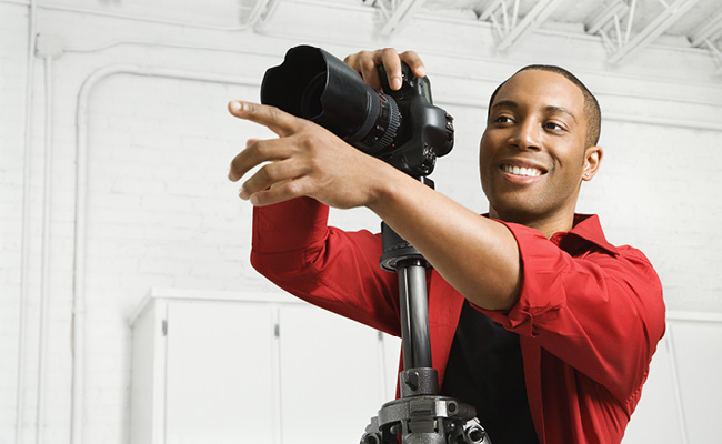 Usar um tripé ajuda a foto a ficar em foco.
