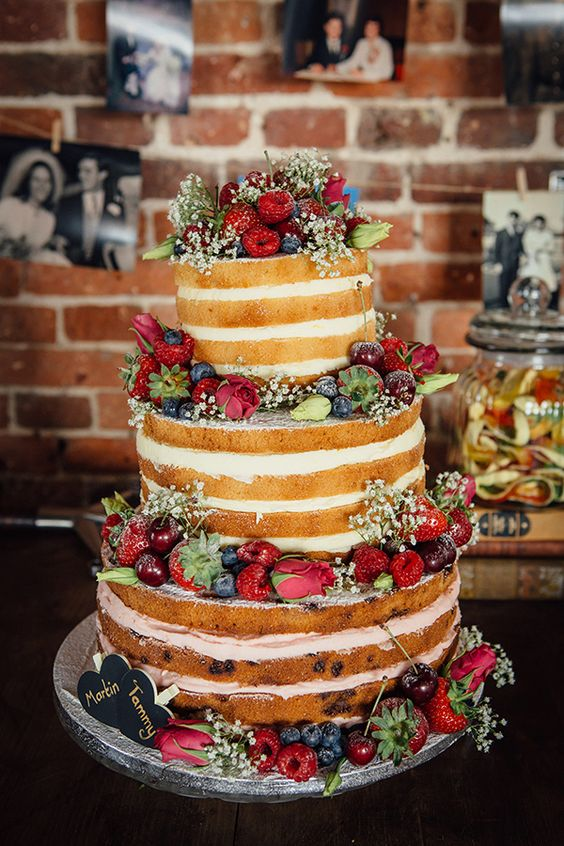 strawberry-wedding-cake-